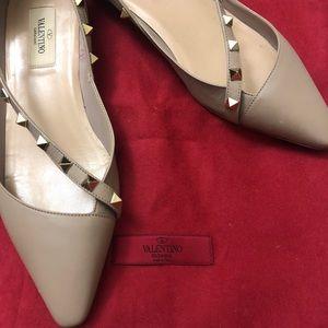 4bbe96abe0 Valentino Garavani Shoes | Valentino Rockstud Flat | Poshmark